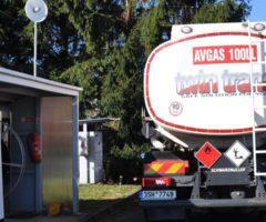 Čerpací stanice a plnící cisterna určená výhradně pro letecké palivo AVGAS 100LL